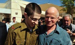 Gilad and Noam Schalit reuniting (Photo: Reuters)