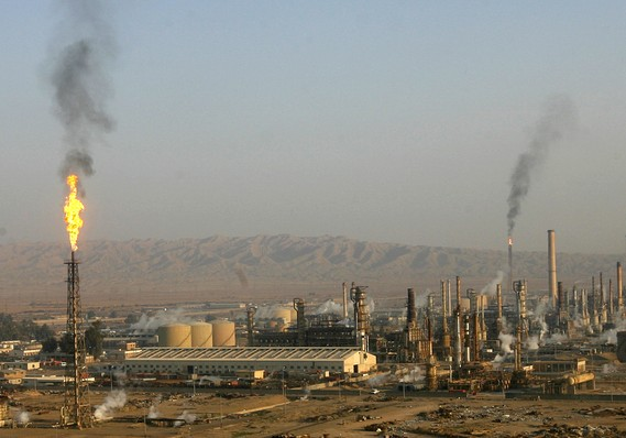 A general view of Baiji oil refinery, north of Baghdad, in this 2009 file photo. / Reuters