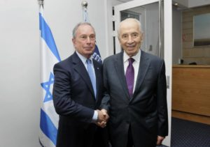 Mike Bloomberg (l.) stands for a photograph with Shimon Peres, Israel's president, in Jerusalem on Wednesday, July 23.
