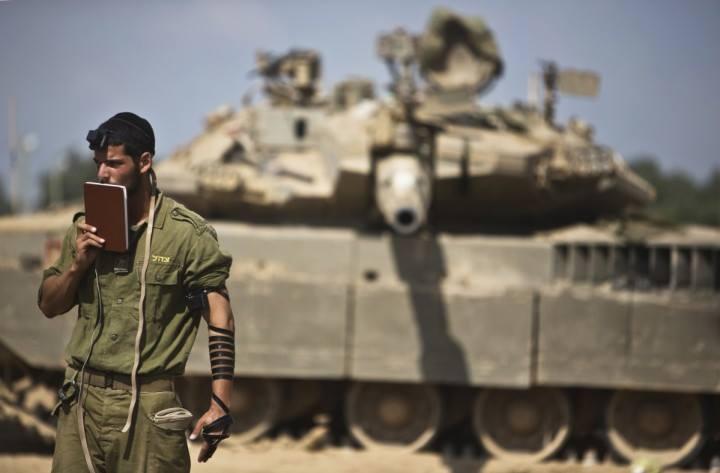 IDF soldier wearing tefillin